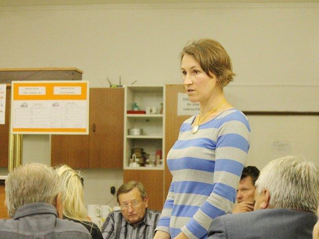 Nová ředitelka Dětenické základní školy Kamila Machurová se poprvé představila veřejnosti.