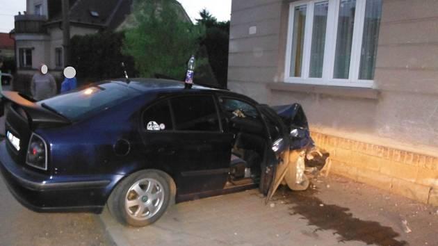 Nehoda oktavie v Chomuticích.