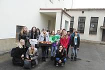 Hořičtí studenti vyrobili dárky na podporu hospice Duha.