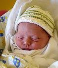 FILIP MATĚJKA se narodil 13. července. Po narození vážil 3,34 kg  a měřil 50 cm. Šťastní rodiče Jiřina a Tomáš Matějkovi s malým Filipem žijí v Jičíně.