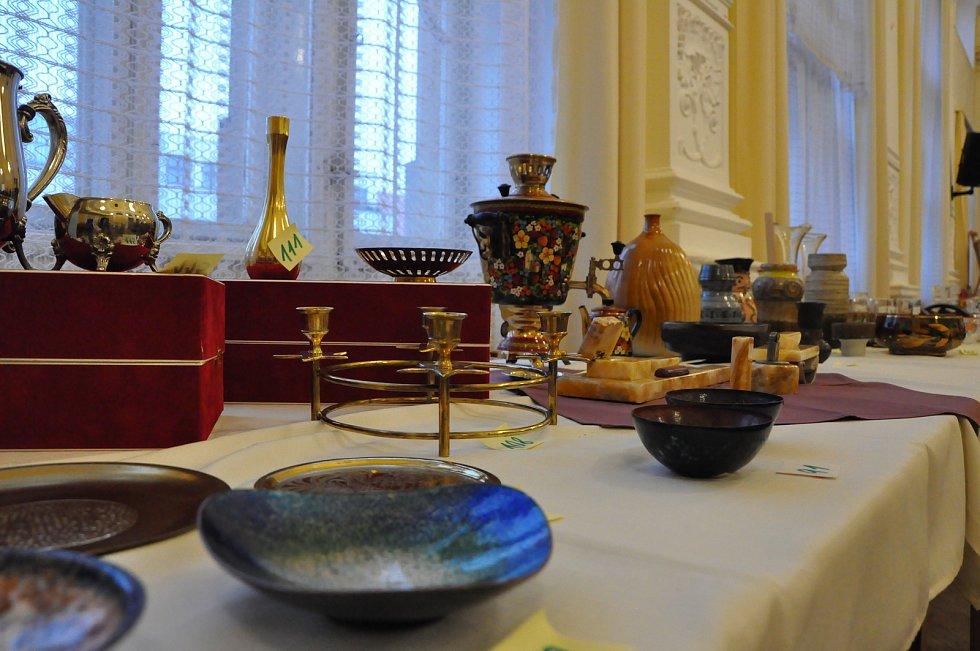 Úspěšná aukce uměleckých předmětů v hotelu Centrál.