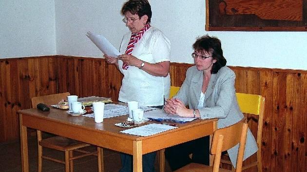Starostka Jičínské Bergrovy župy Marie Tulková a náčelnice Lada Vávrová.