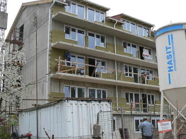 Výstavba domova důchodců v Nové Pace.