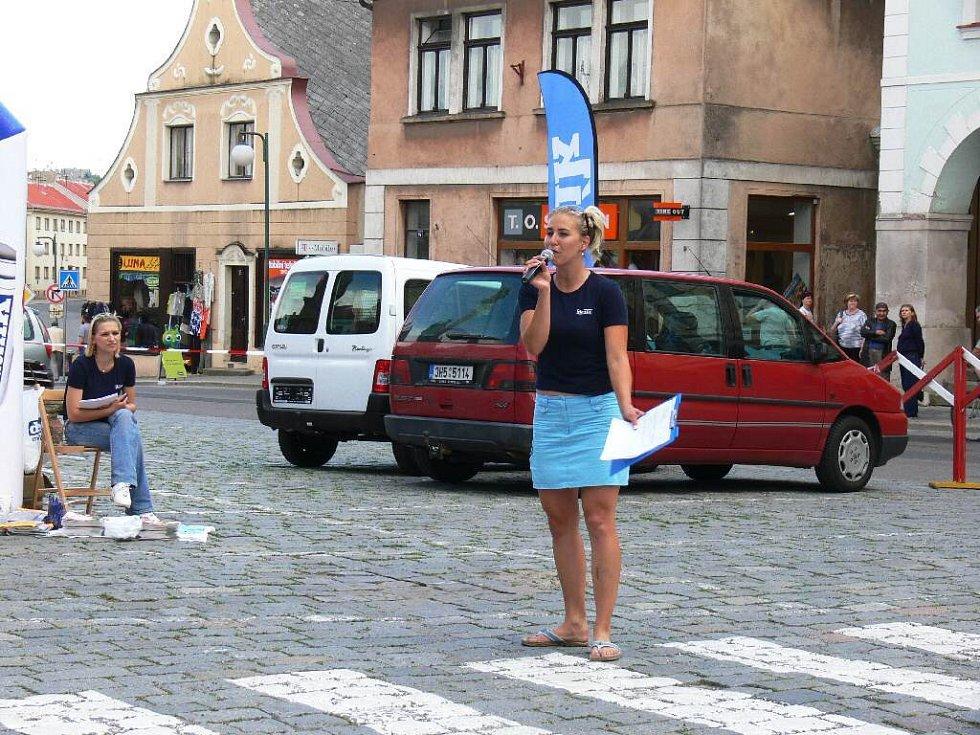 Ze Dne s Deníkem v Nové Pace na Masarykově náměstí.