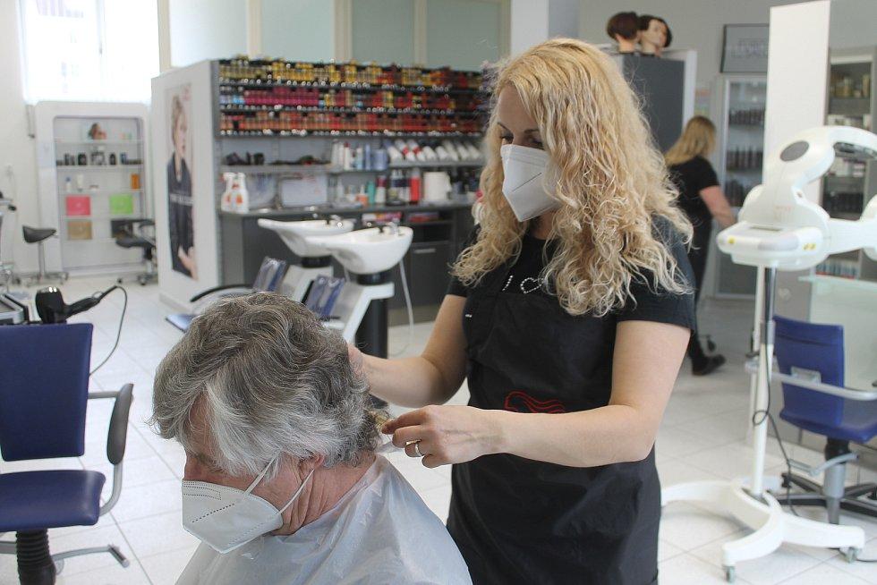 Salony otevřely po více jak čtyřech měsících