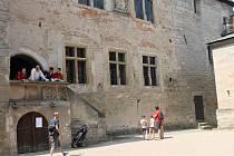 Z gotického hradu Kost.