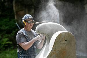 Mezinárodní sochařské sympozium v Hořicích