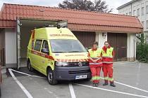První sloužící posádka záchranářů – Eva Karešová a Daniel Činovec.