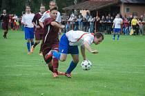 Snímek ze druhého utkání podzimní části 1. B třídy Milíčeves – Robousy, ve kterém domácí zvítězili 2:0.  Foto: Deník/Josef Hlaváček