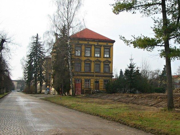 Zbývající budovy jičínských kasáren.