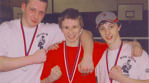 Úspěšné trio jičínských boxerů, zleva Rudolf Špringer, Martin Stehlík a Jakub Chval.