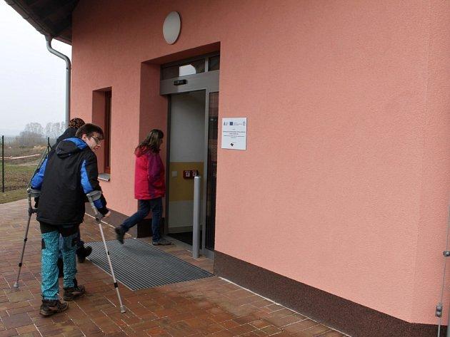 Exkurze v domcích pro handicapované v hořické Kofránkově ulici.