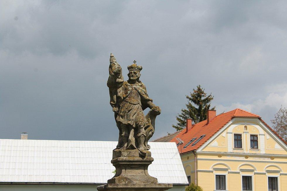 Vše ve vsi je zasvěceno sv. Václavovi.