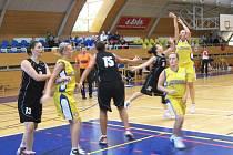 START DO NOVÉ SEZONY. Novopacký turnaj prověří připravenost jednotlivých celků před mistrovskými  zápasy.
