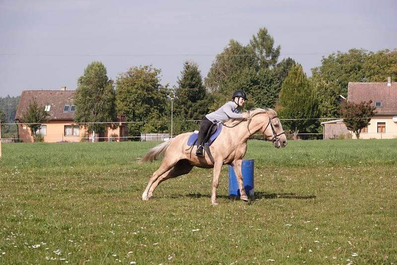 Hubertova jízda v Lužanech.