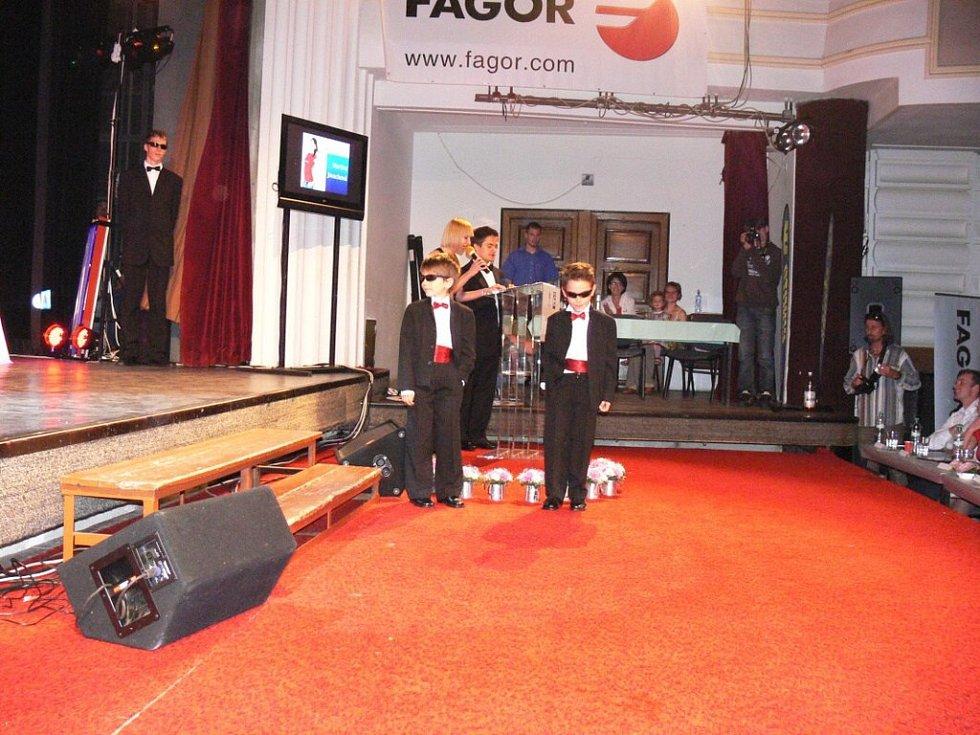 Z finále soutěže Dívka roku 2009.