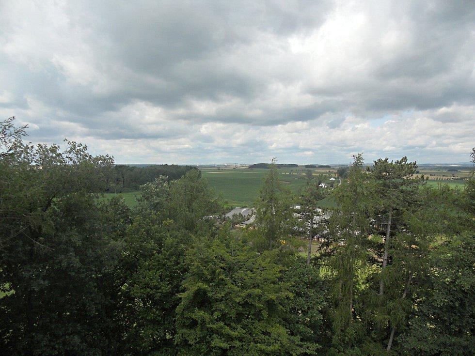 Výhled z rozhledny v Libníkovicích.