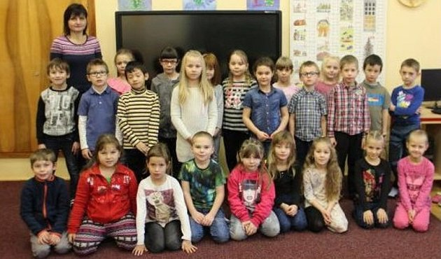 Žáci 1.třídy zMasarykovy základní školy ve Staré Pace.
