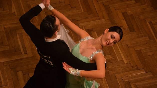 Ve standardních a latinsko – amerických tancích se představili soutěžící všech věkových kategorií.