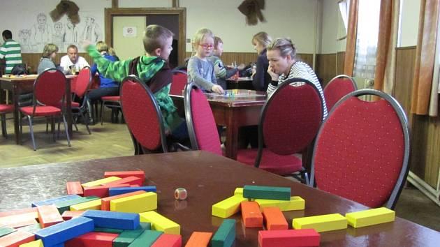 Odpoledne s deskovými hrami v Butovsi.
