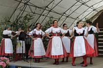 Bělohradské folklorní slavnosti Pod Zvičinou.