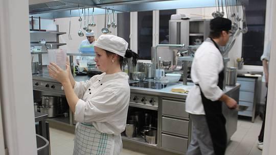 Cvičná kuchyně novopacké gastronomické školy se řadí k nejmodernějším v Královéhradeckém kraji.