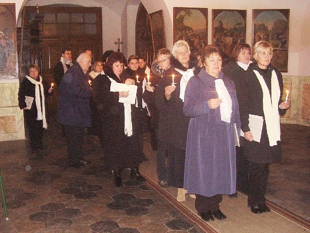 Z koncertu sboru Smetana v kostele ve Vysokém Veselí.