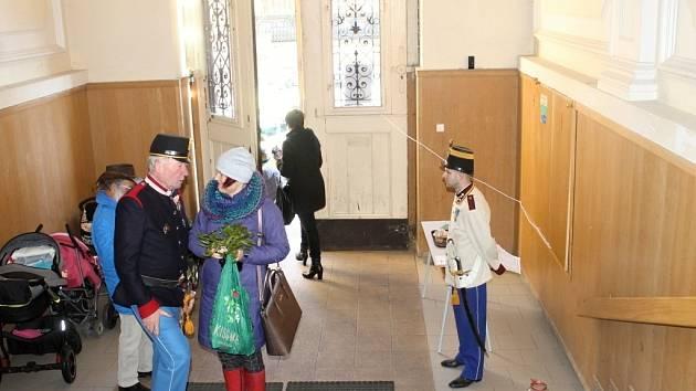 Ze dne otevřených dveří v jičínské 1. ZŠ 17. listopadu.