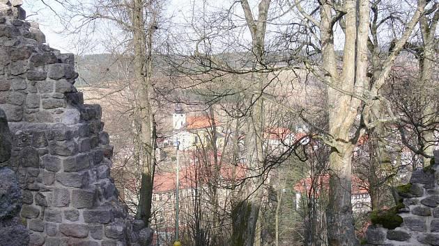 Z hradu Pecka.