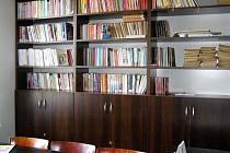 Knihovna v Červené Třemešné.