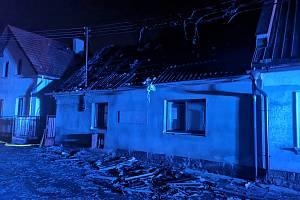Noční požár v Železnici