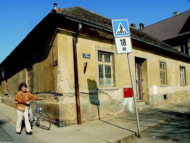 V budově čp. 5 bude v Miletíně zřízeno zdravotnické středisko.