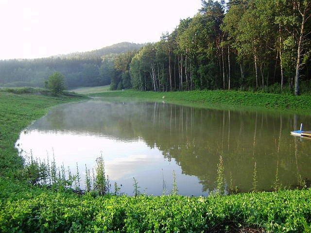 Rybník ráj u Holína