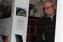 Nová Paka - Páteční večer přinesl účastníkům Muzejní noci nevšední zážitky. Nahlédnout směli do zdejší Klenotnice drahých kamenů včetně expozice spiritismu, v Gernatově domě je čekal výklad o staré Nové Pace, pěšky se vydali do Podkarpatského kostelíka a