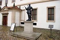 Socha Valdštejna v Praze.