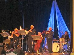 Novopacký Evergreen Dixieland Band.