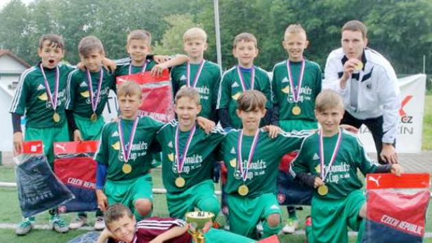 Fotbalový McDonald's Cup: Vítězná ZŠ Sever Hradec Králové.