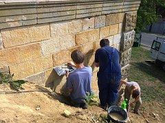 Práce na rekonstrukci historického vodojemu.