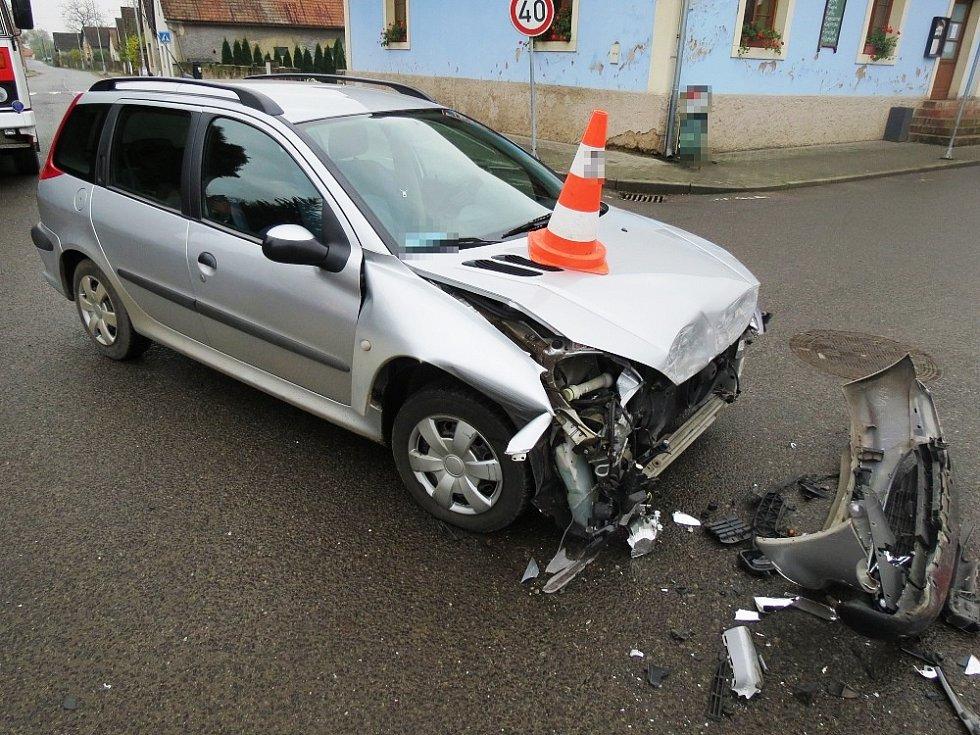 Celková škoda je předběžně vyčíslena na hodnotu přesahující 130 tisíc korun.