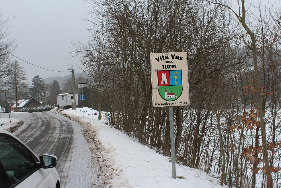 Obec Radim spravuje další tři vesnice – Tužín, Studeňany a Lháň, celkem zde žije 438 obyvatel. je zde funkční mateřská a základní škola, pošta, obchod, zdravotní středisko, sportovní hřiště s halou, hospoda.