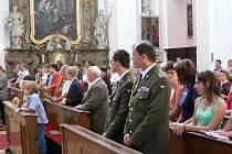 Vojenští kaplani v kostele sv. Jakuba.