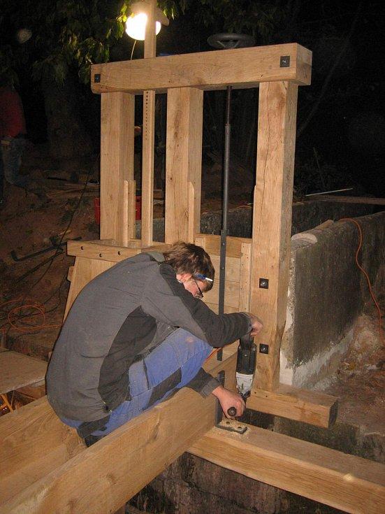 Rekonstrukce tzv. Doleního mlýna v Bradlecké Lhotě.
