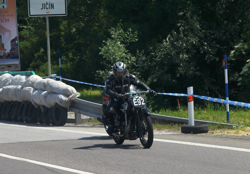 Motocyklové závody se v Jičíně konaly již po sedmdesáté.
