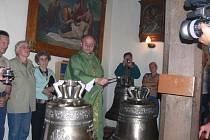 Ze slavnosti v libuňském kostele u příležitosti svěcení zvonů.