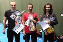 DVOUHRY. Na snímku vlevo Pavel Erben, uprostřed vítěz Martin Rehák, vpravo stříbrný Ladislav Rehák.