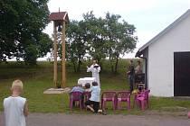 Svěcení zvoničky v Tuři.