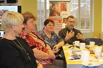 Snídaně v jičínské knihovně - setkání knihovníků regionu, zaměřené na projekt Březen - měsíc čtenářů.