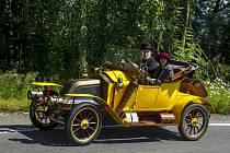 V Jičíně se o víkendu uskutečnila tradiční akce Loukotě a řemeny pro majitele strojů vyrobených do roku 1918.