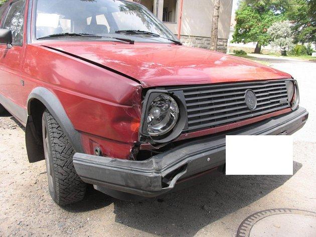 Nehoda u jičínské Oblastní nemocnice.