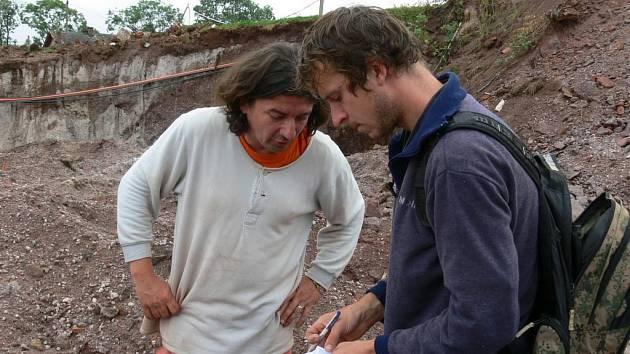 V Nové Pace si podávají ruce paleontologové kvůli vzácnému nálezu na staveništi firmy Lidl.